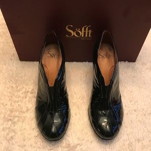 SOFFT heeled booties Black size 8.5 in box